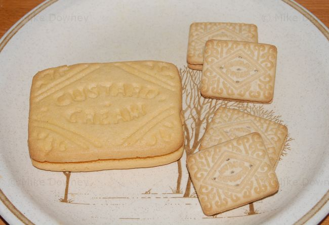 giant custard cream